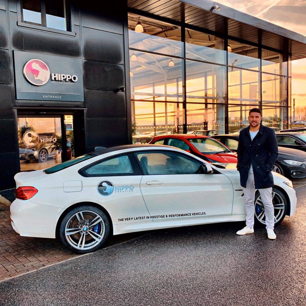 Gareth Widdop picking up his new car from Hippo Prestige